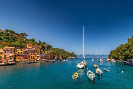 Portofino-Liguria-Italy-sea-yachts-boats-houses-mountains_1920x1200